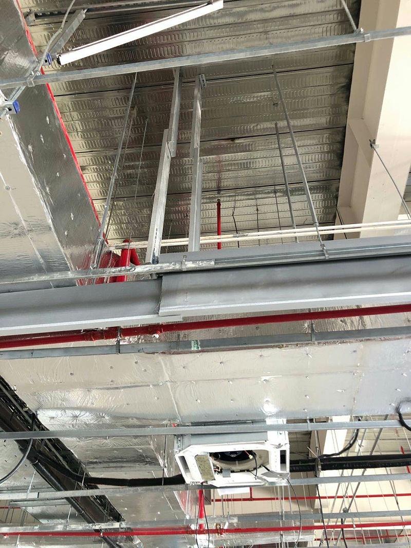 特斯拉活动式柔性挡烟垂壁(超高吊顶)