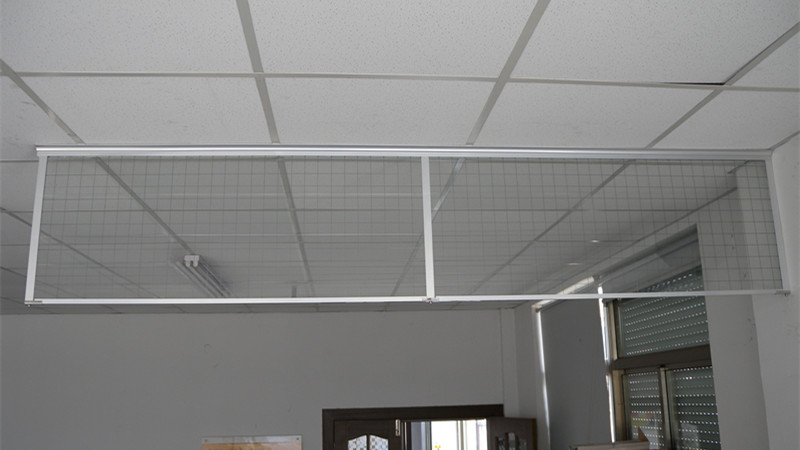 夹丝玻璃挡烟垂壁
