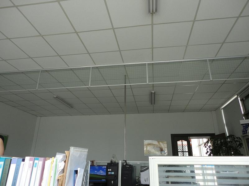 夹丝玻璃垂壁挡烟