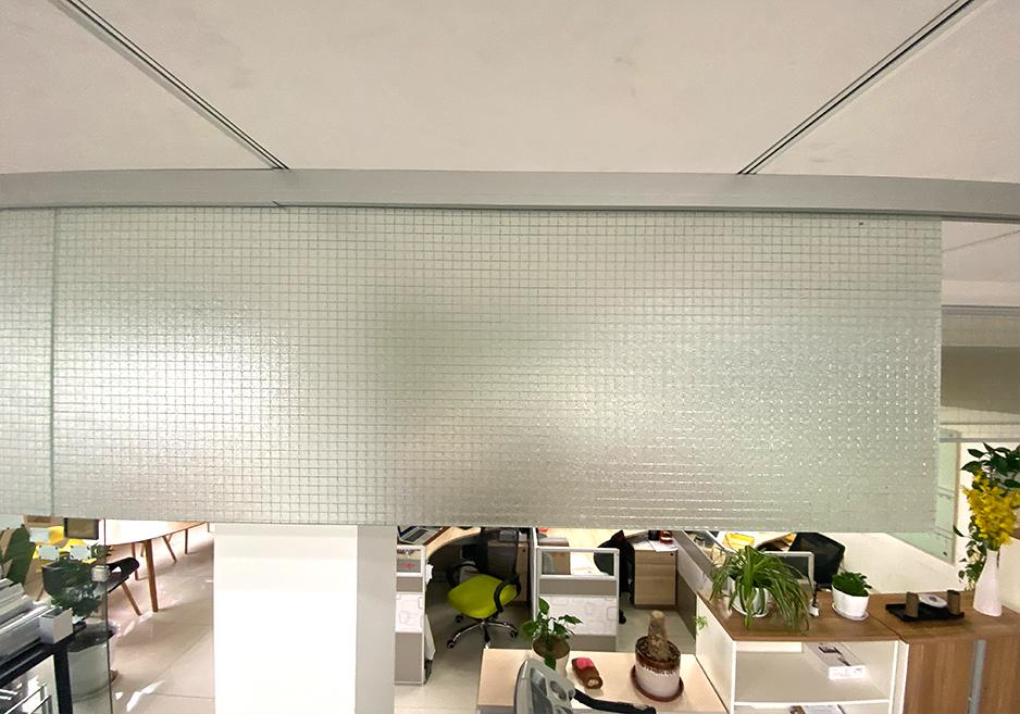 新恒邦夹丝玻璃挡烟垂壁细节图